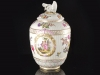 c1770-royal-porcelain-factory-berlin-kpm-lidded-urn-01_01