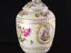 c1770-royal-porcelain-factory-berlin-kpm-lidded-urn-01_03